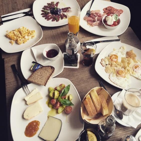 Good Morning from munich.  Look at my tasty #breakfast at nero - next to Isartor! Very good! And I ❤️ the fresh -juice.  Follow me for Secret Food Tipps & reviews. ✅Link in Bio #essengehenistaucheinhobby #biancasblog #food #tasty #yummi  #lunch #dinner #münchen #munich #foodporn #delicious #yumfood #foodpics #foodphotography #foodpic #numnum #foodlover #foodlovers #foodblog #eat #essen #yum #instafood #TagsForLikes #yummy #juice #nero #fresh