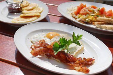 Frühstück in Schwabing HeimWerk Spiegelei