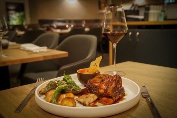 Pure Wine & Food Restaurant 868