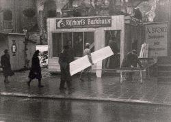 Rischart Baeckerei Geschichte - 1946 Hilfsbaracke Marienplatz b