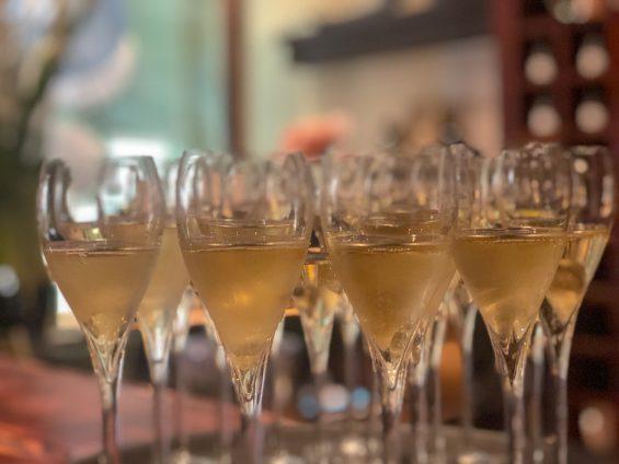 Champagne De Watère Champagner 83